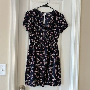Dresses & Skirts - Floral wrap day dress